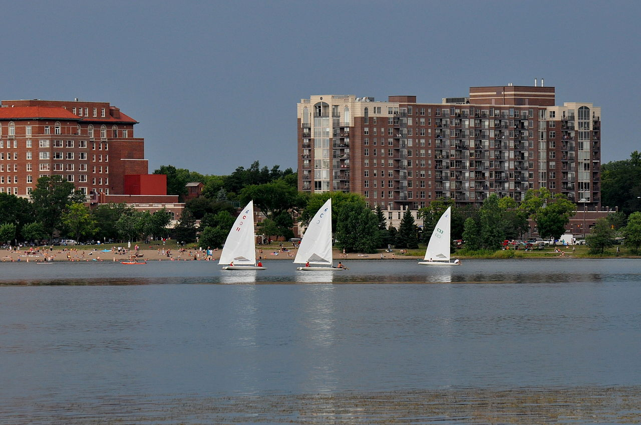 Attraction Tourist Place In Minneapolis in Minnesota-Chain of Lakes Regional Park