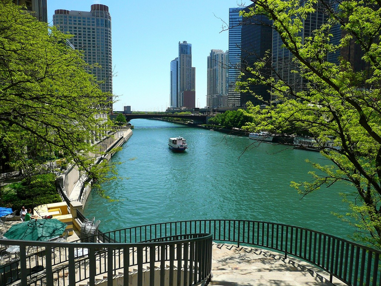 Kayak Down On The Popular Chicago River