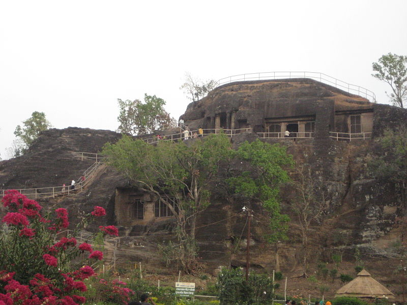 Top Sightseeing Spot In Pachmarhi-Chieftain's Cave