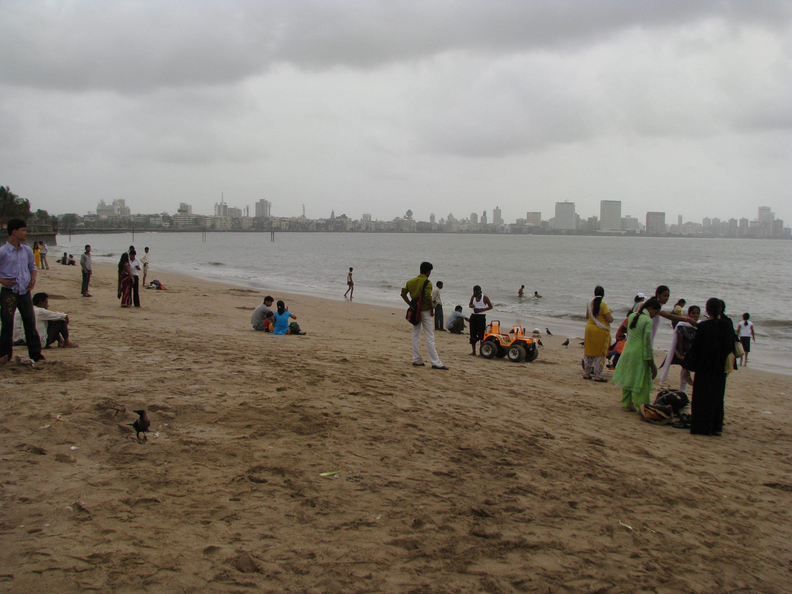 Best Place to Visit Marine Drive(Sonapur) in Mumbai- Chowpatty Beach