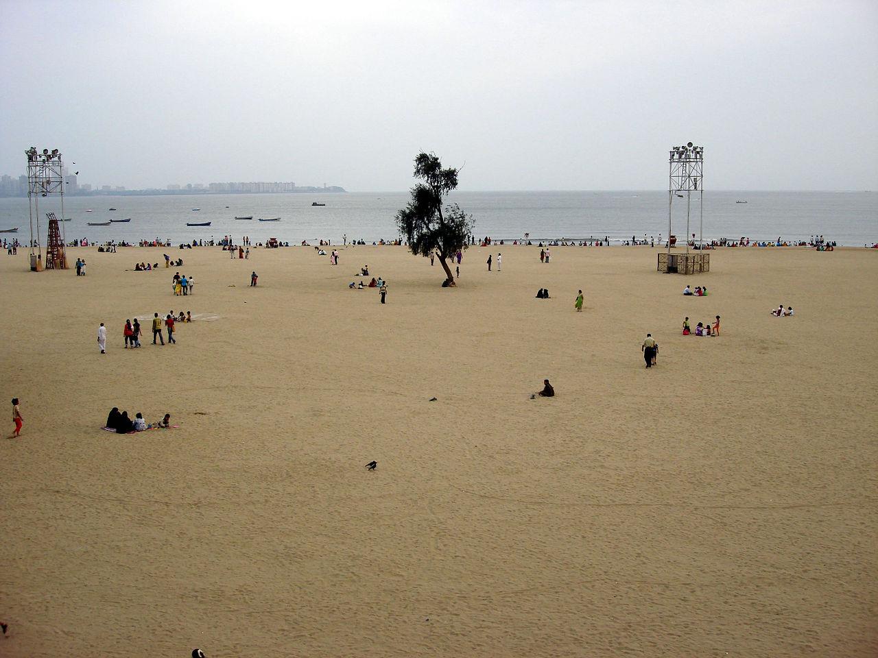 Amazing Place To Visit Near Hanging Gardens, Mumbai-Chowpatty Beach