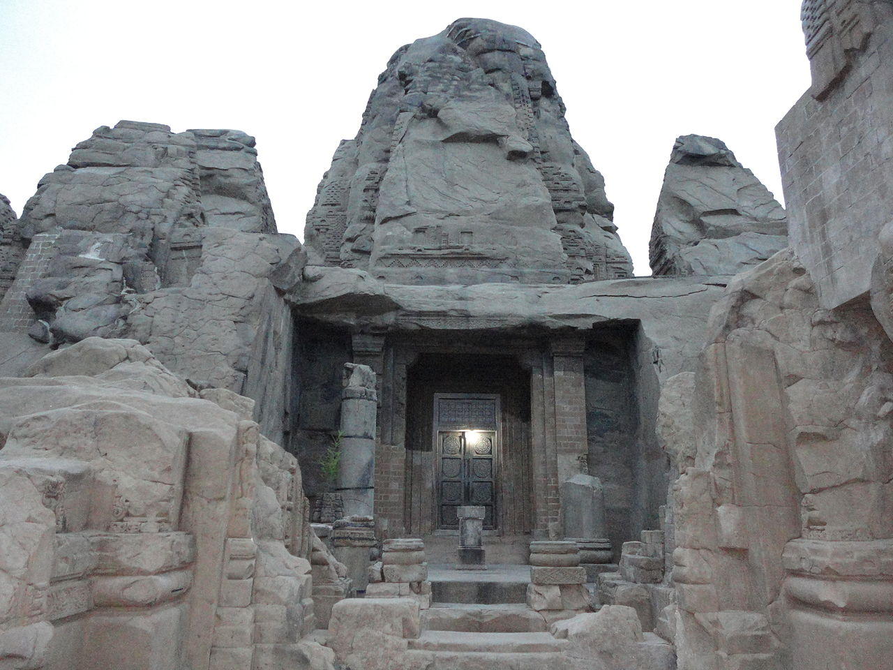 Sightseeing Place to Visit In Bihar, Bhagalpur-Colganj Rock Cut Temple