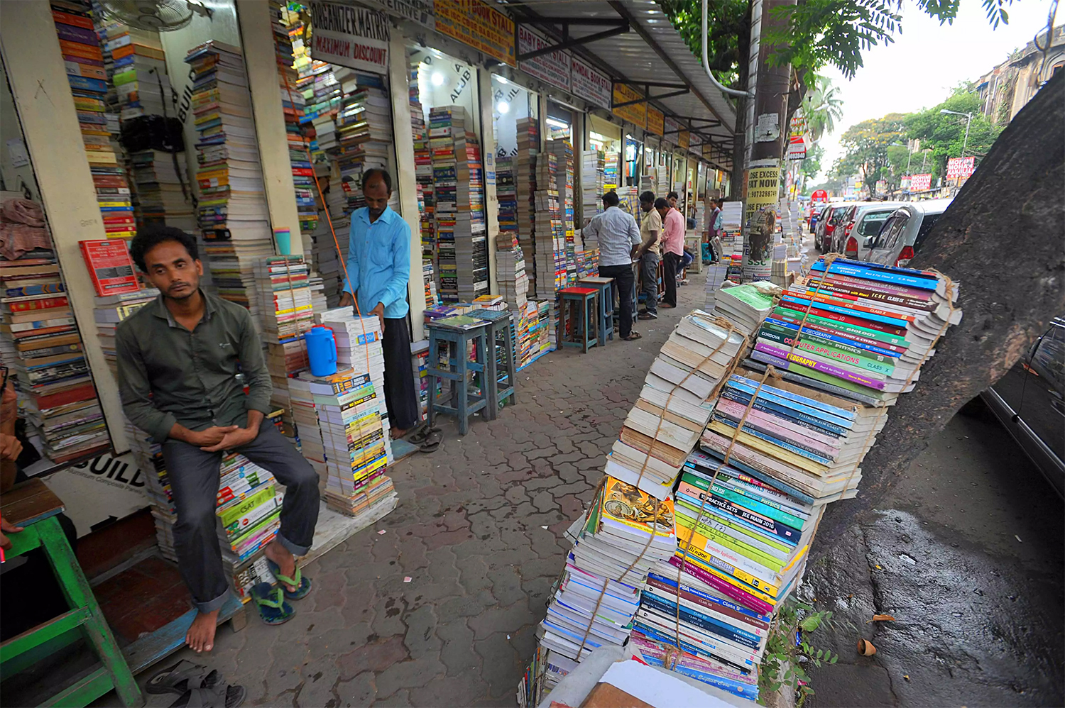 College Street | Best Shopping Places in Kolkata