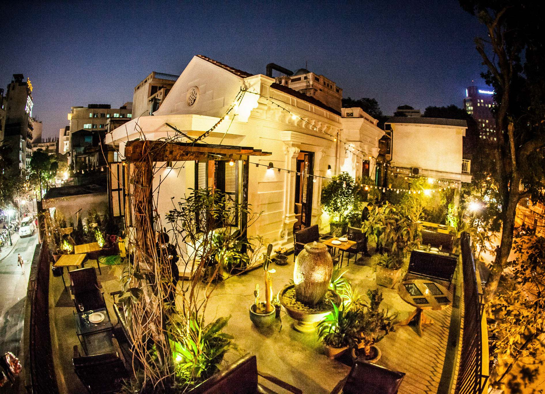 Top Nightlife Place in Hanoi-Cosa Nostra