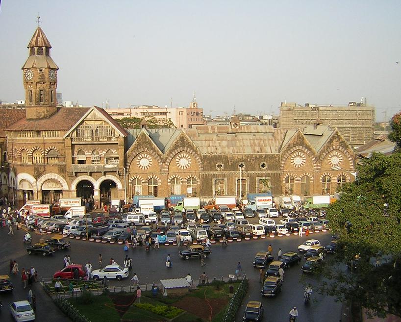 Crawford Market Shopping Place in Mumbai