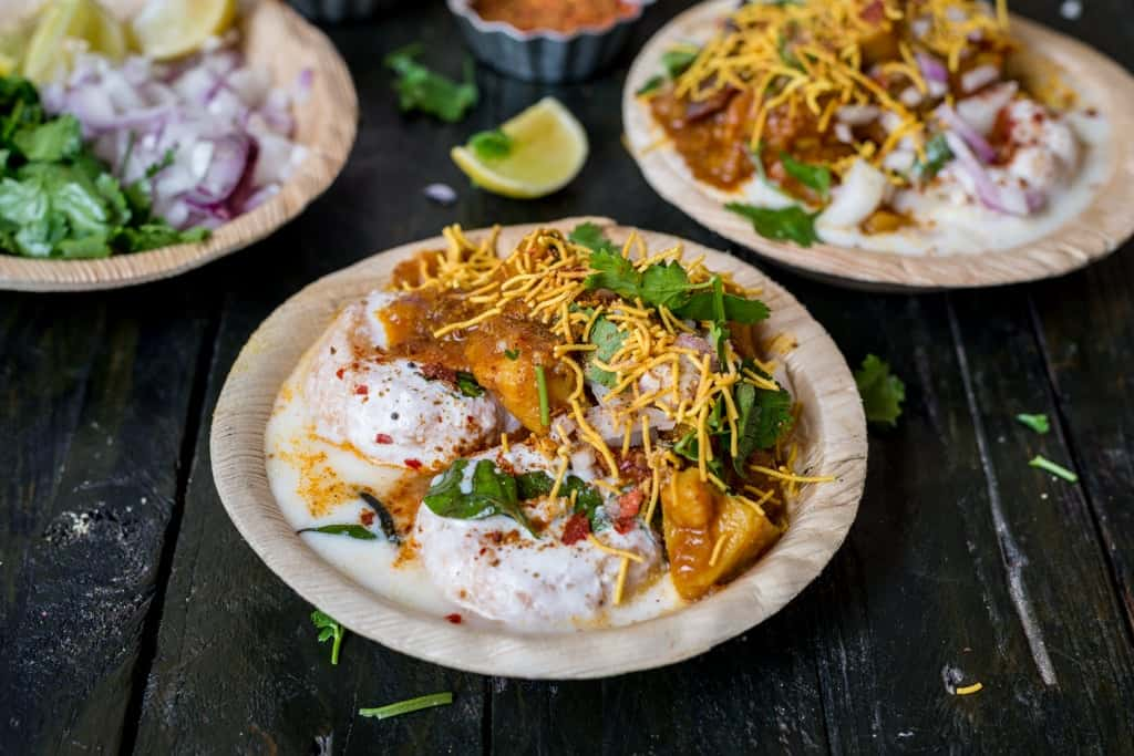 Dahi Bara Aloo Dum - Best Street Foods In Bhubaneswar