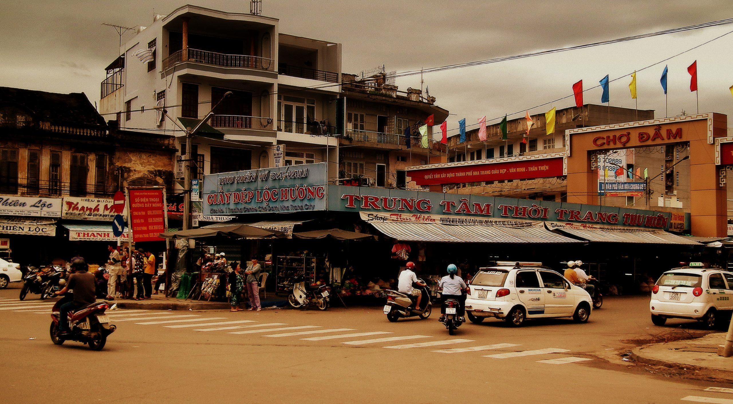 Best Market in Vietnam-Dam Market