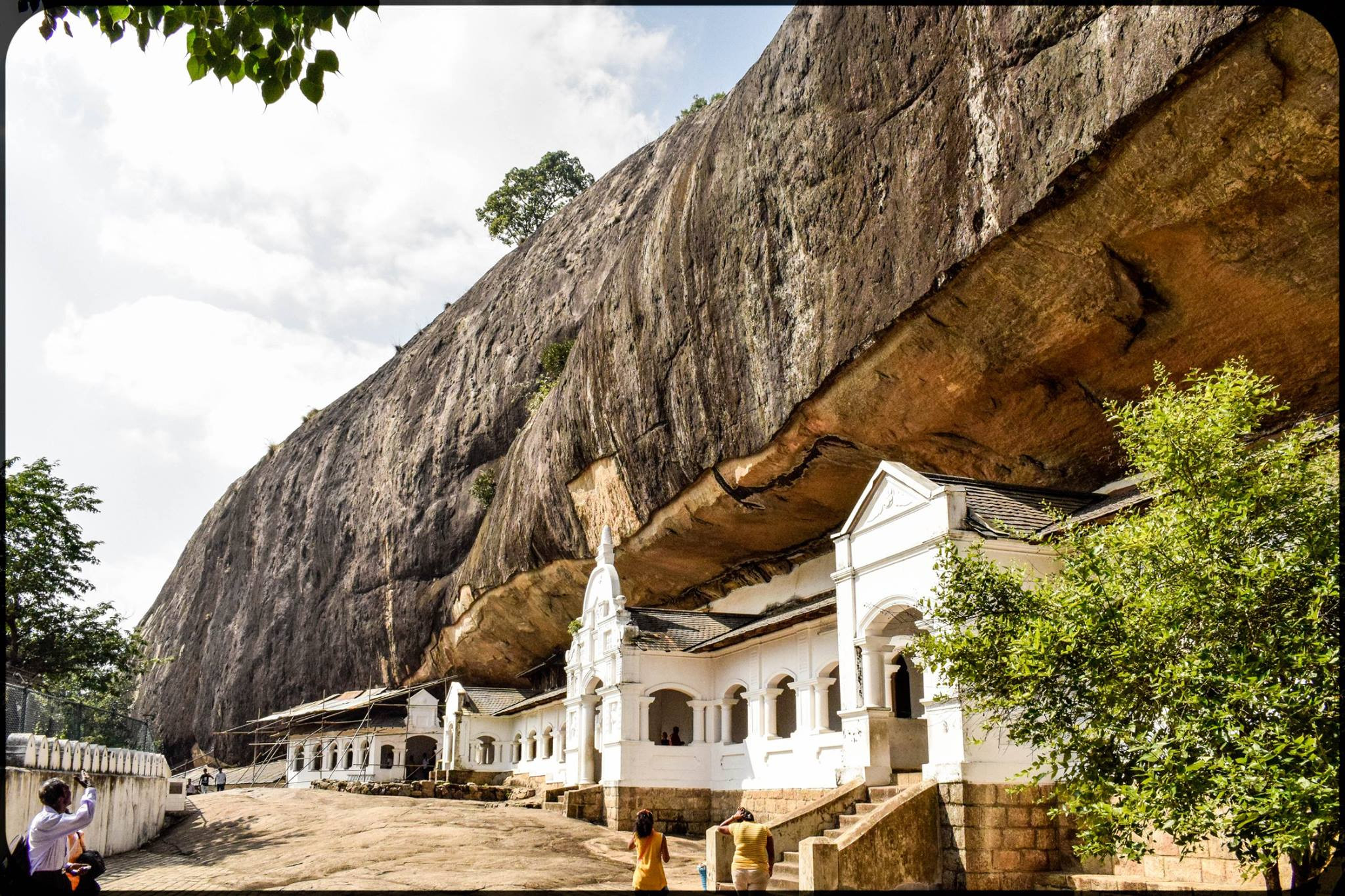 Dambulla Cave Temple-Amazing Weekend Getaways Near Colombo
