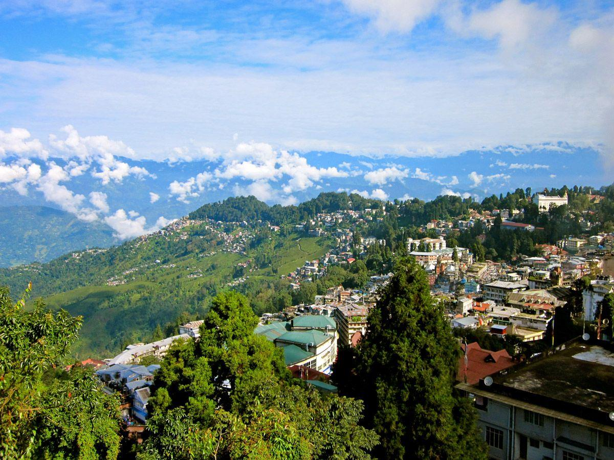 Darjeeling - Top Hill Stations Close To Kolkata