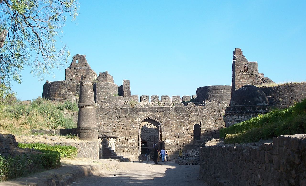 Daulatabad Fort-Place to Visit Near Ajanta Caves