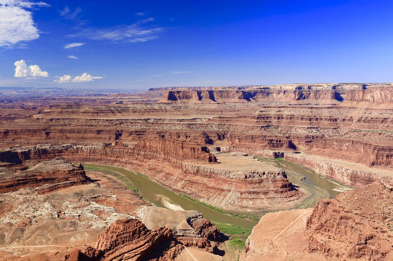 Nice Place to Visit In Utah-Dead Horse Point Square Park