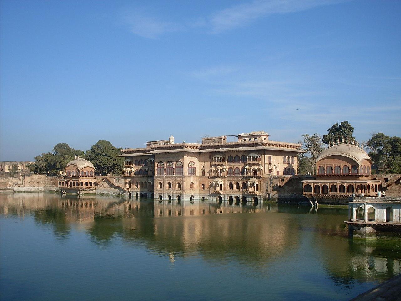 Nice Weekend Getaway from Gwalior-Deeg Palace