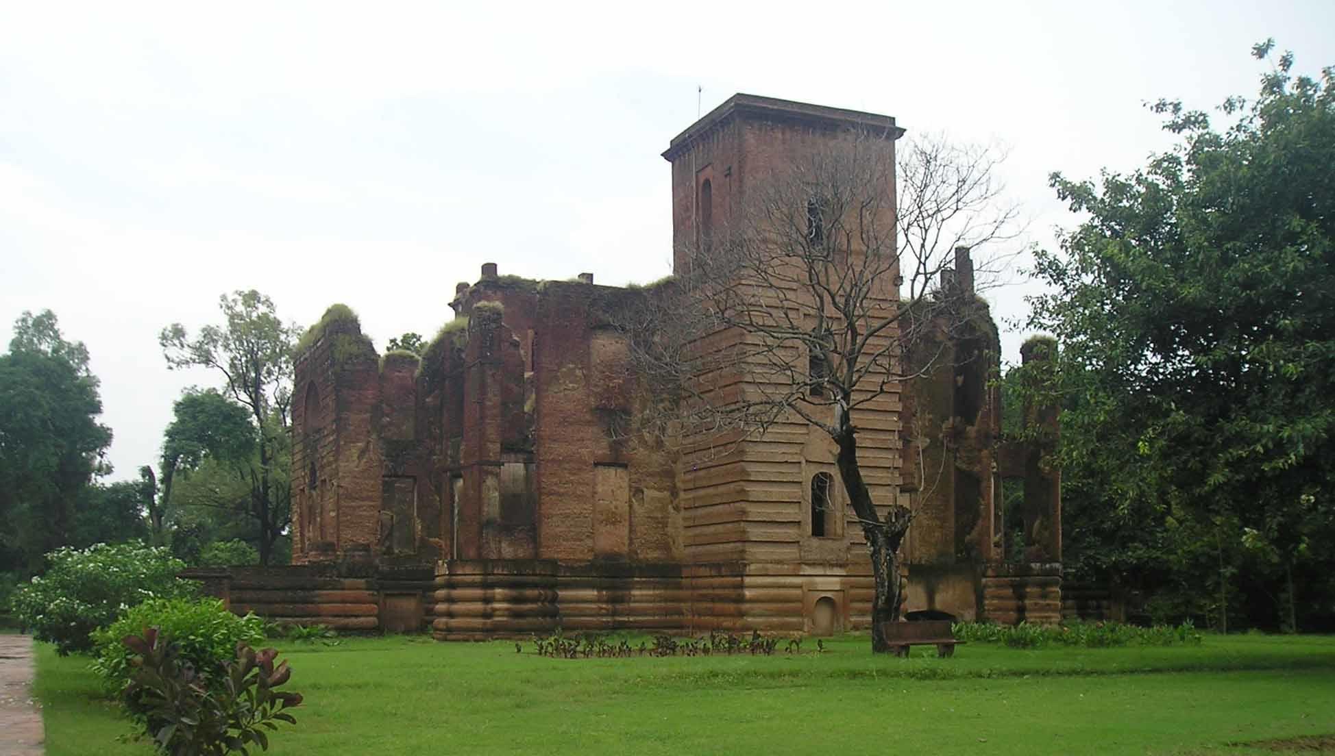 Dilkusha Kothi Top Place to Visit in Lucknow