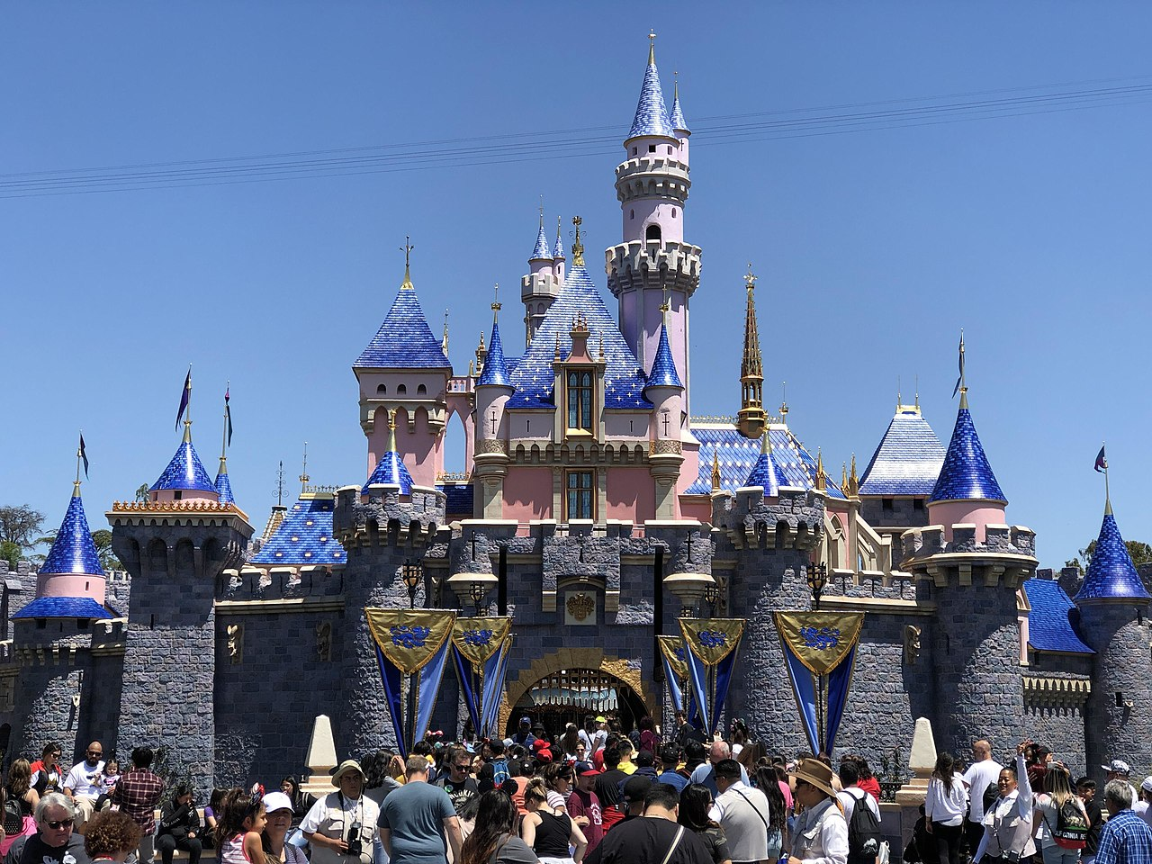 Sight-Seeing Destination in California-Disneyland Parks and Resorts