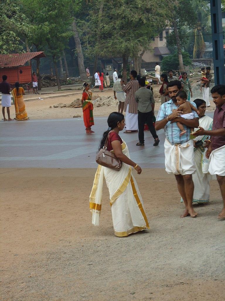 Do Women In Kerala Wear Sarees?