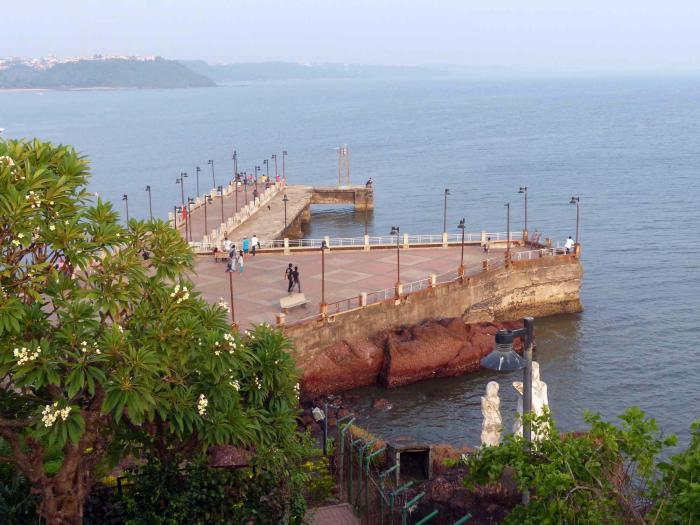 Place To Visit Around Dona Paula-Dona Paula Viewpoint