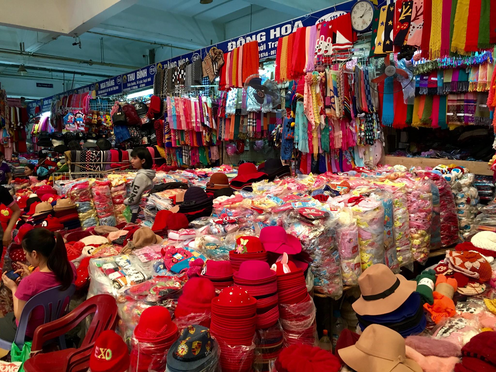 Dong Xuan Market - Best Market in Vietnam