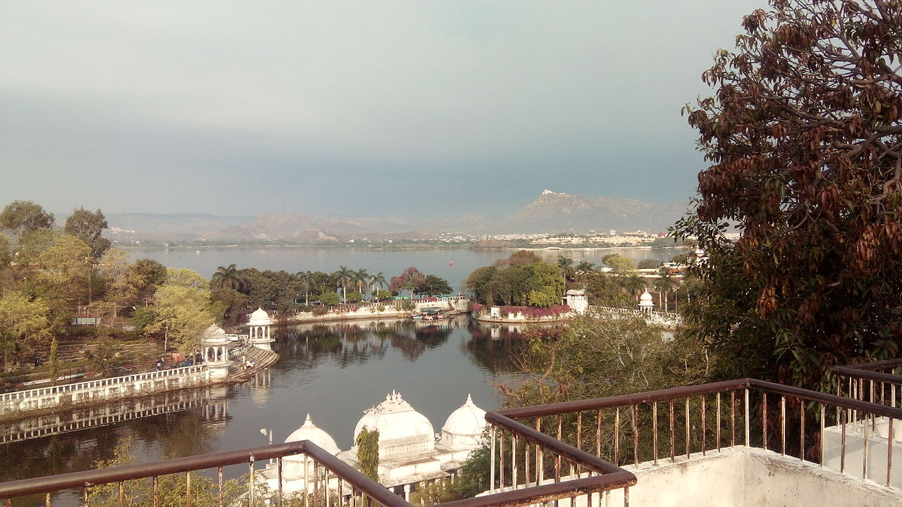 Popular Place To Visit In Udaipur-Doodh Talai Musical Garden