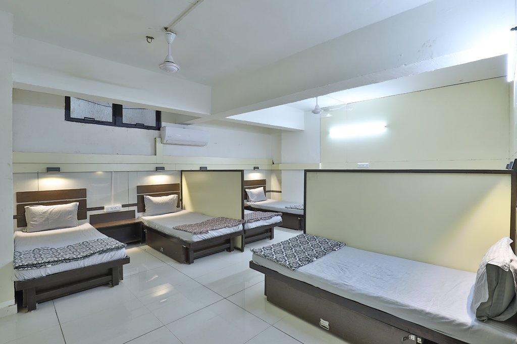 Best Hotel Room Around Mandvi Beach-Dormitories