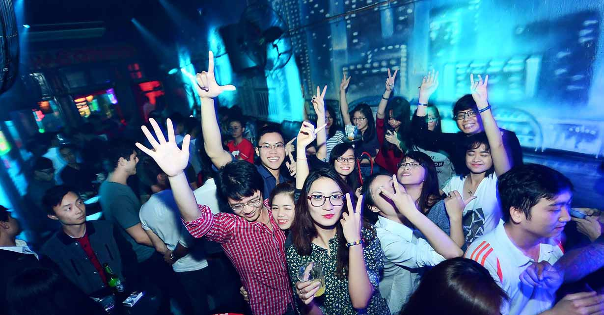 Best Nightlife Place in Hanoi-Dragonfly Bar Lounge