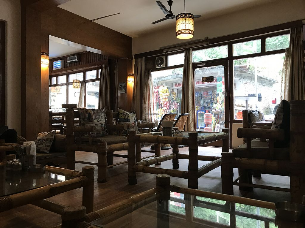 Top Restaurant to Try When in Manali - Drifter's Café