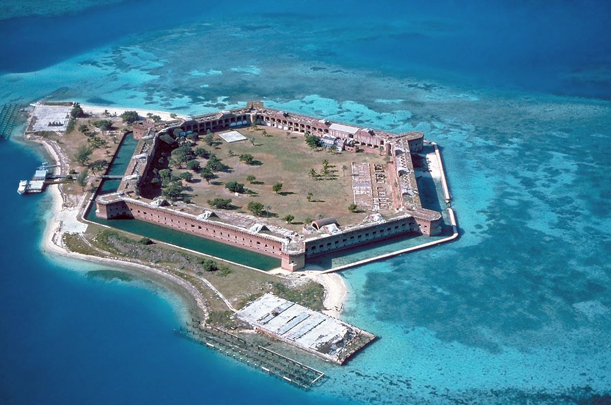 Sight-Seeing Destination in the Florida Keys-Dry Tortugas National Park
