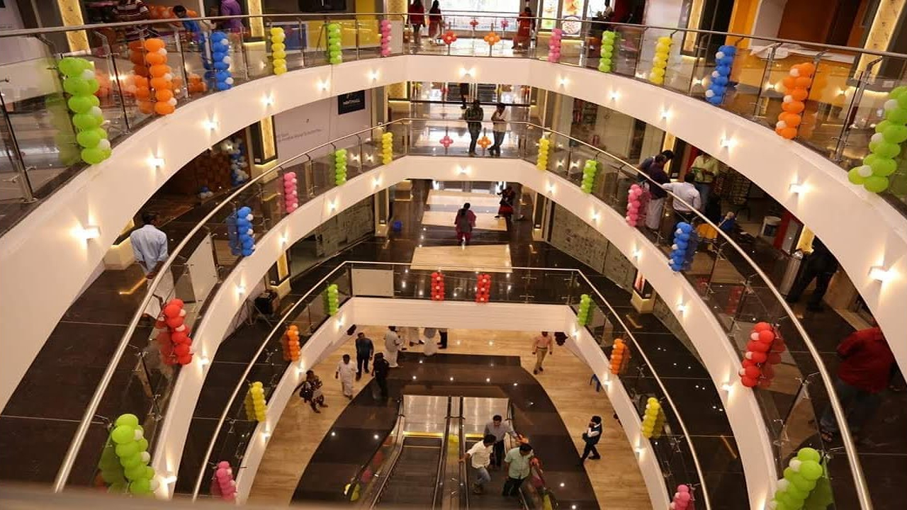 Dubai Shopping Centre - Shopping Destination in Wayanad