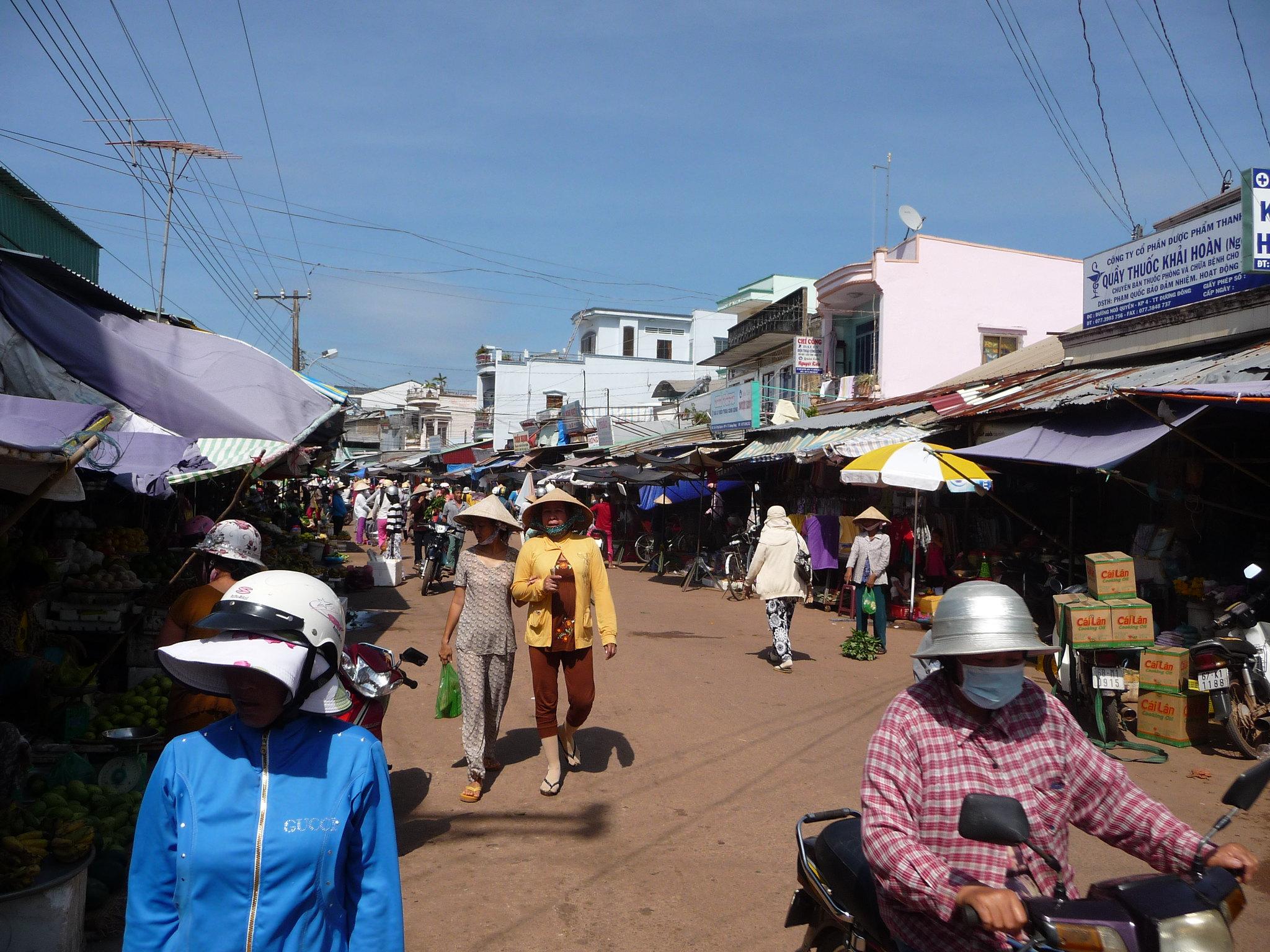 Amazing Shopping Market in Vietnam-Duong Dong Market