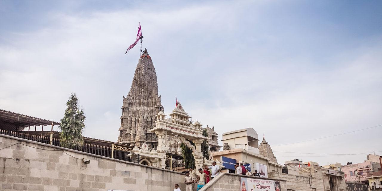 Popular Temples To Visit in Mathura - Dwarakadish Temple
