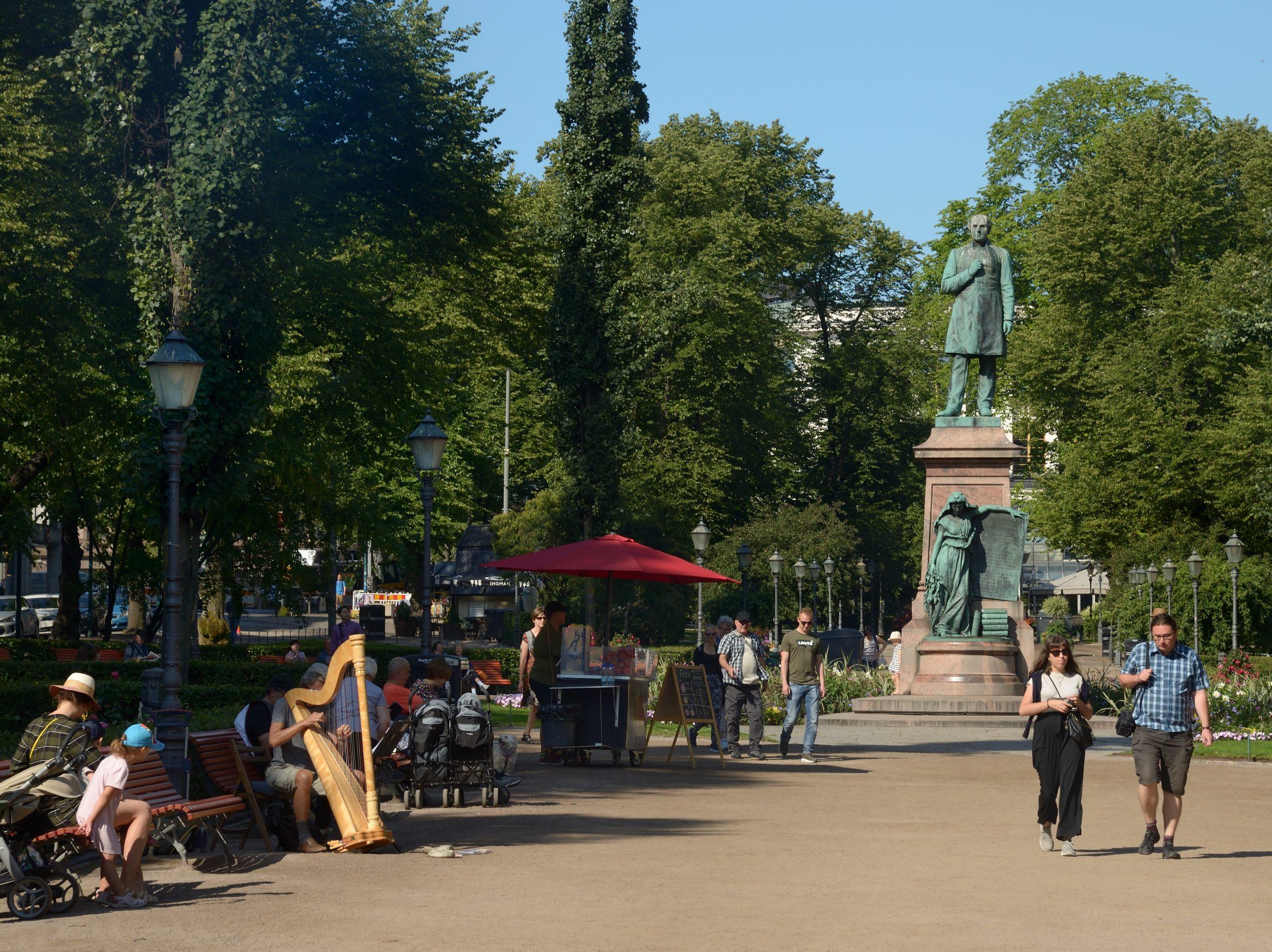 Beautiful Esplanadi Park, Helsinki Travel