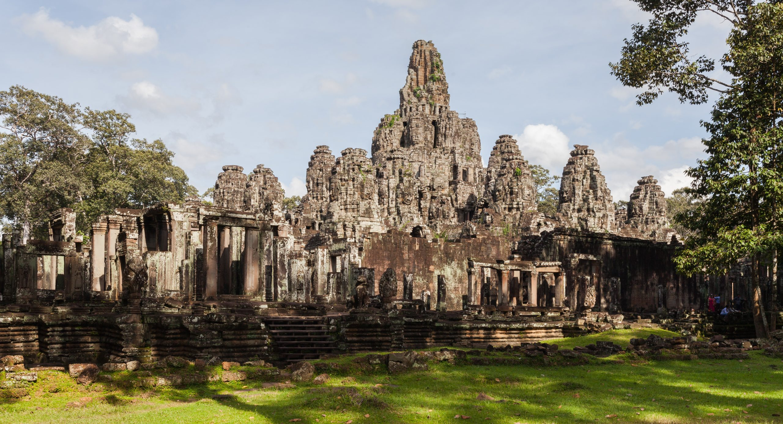 Explore the Ancient Ruins in Siem Reap, Angkor Temples, Cambodia