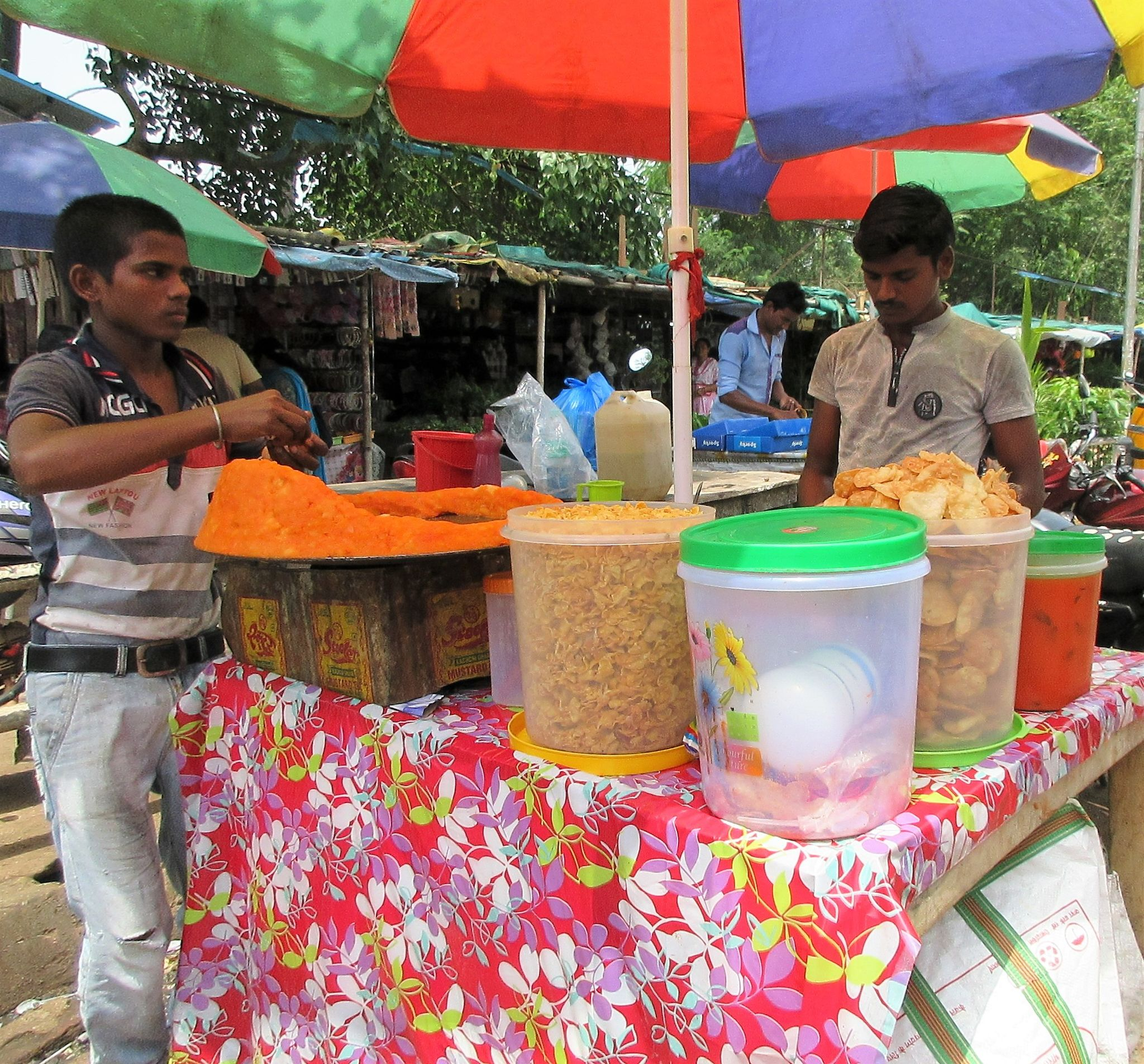 Famous Odia Chat - Best Street Foods In Bhubaneswar