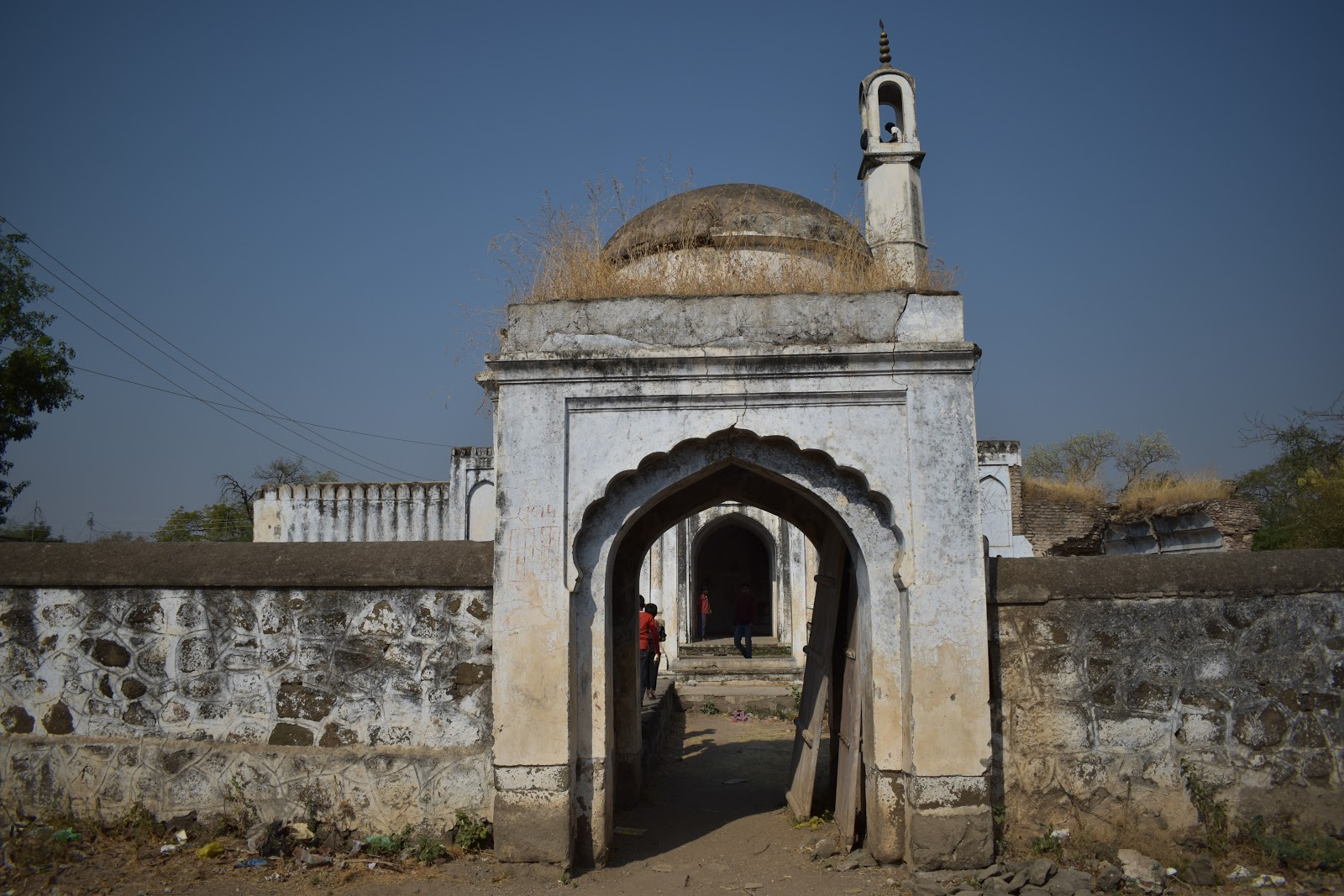 Best Place To Visit Near Parola Fort - Farkande