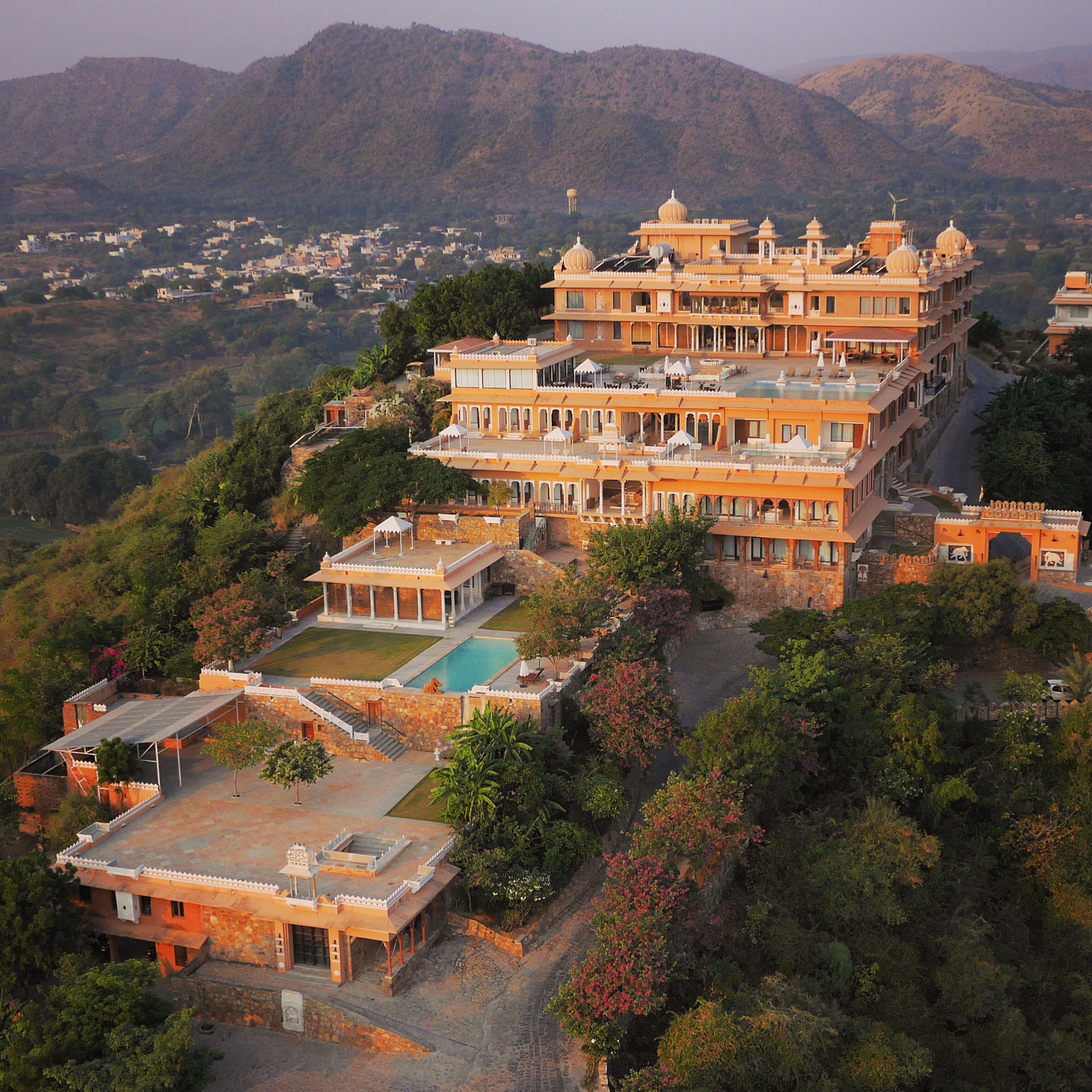 Attraction Palace To Stay In Rajasthan-Fateh Garh Palace