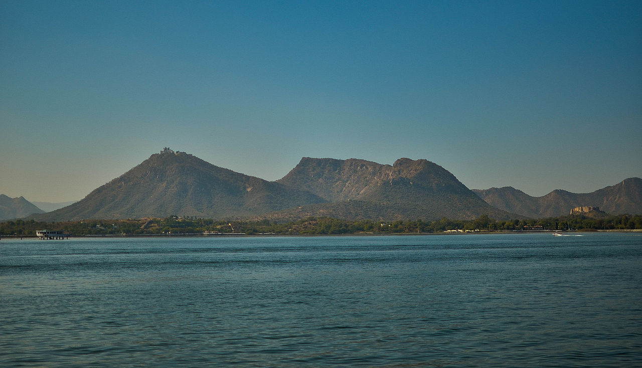 Attraction Place To Visit In Udaipur-Fateh Sagar Lake