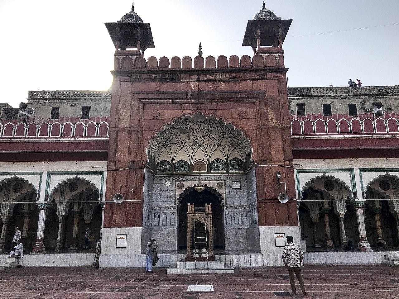 Amazing Spiritual Destination In Delhi-Fatehpuri Masjid