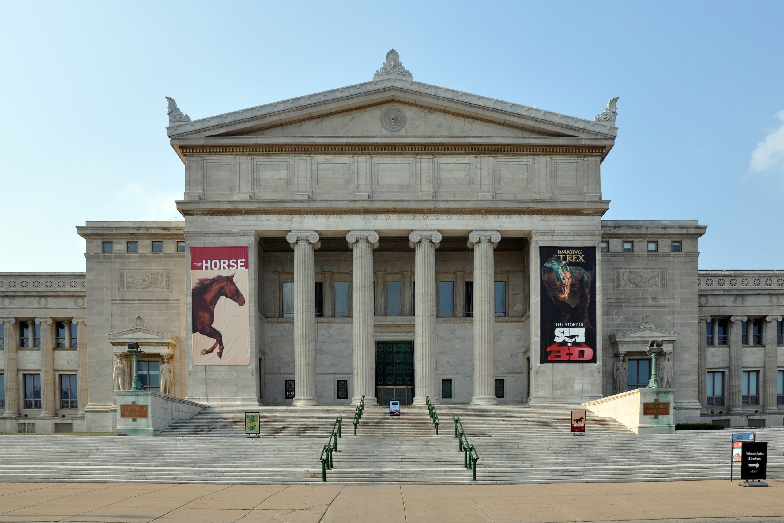Must-See Place in Chicago-Field Museum of Natural History
