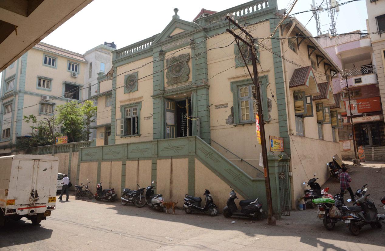Popular Tourist Locations in Navsari, Gujarat-First Dastoor Meherjrana Library