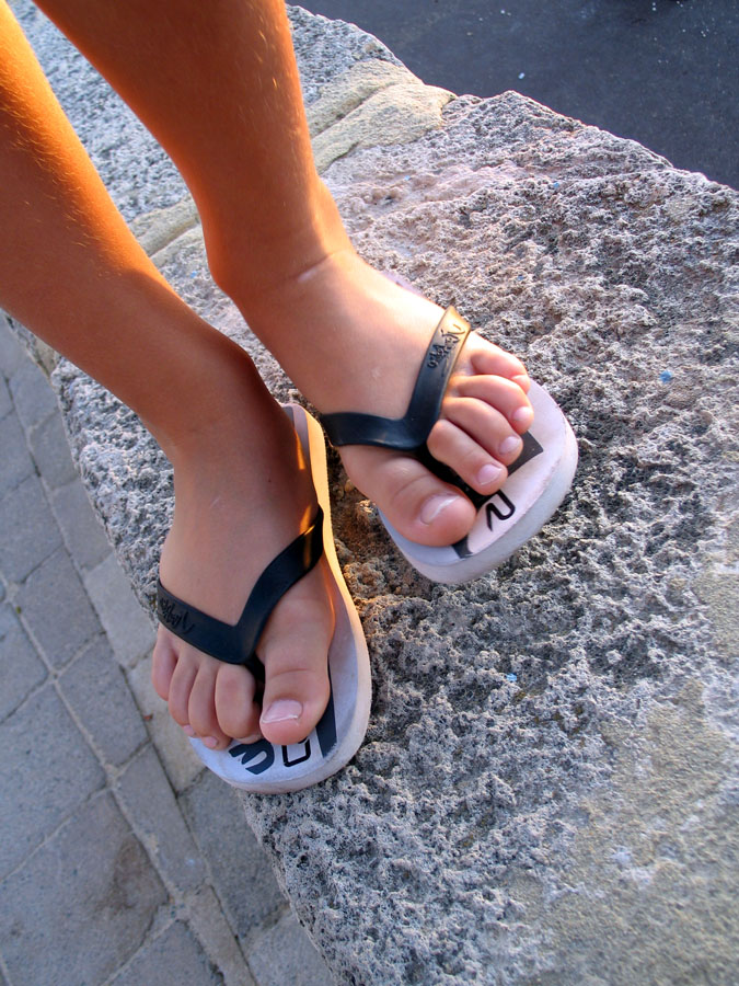 Flip Flops-Must-Have Things To Carry During Your Trip To Andaman