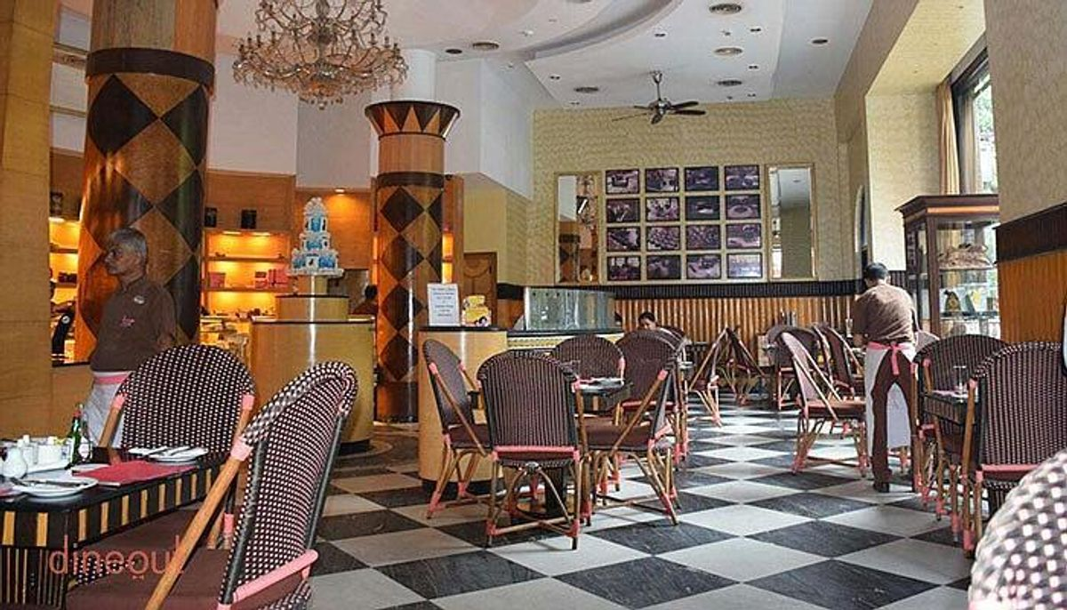 Flurys - Restaurants In Kolkata That Every Tourists Must Visit