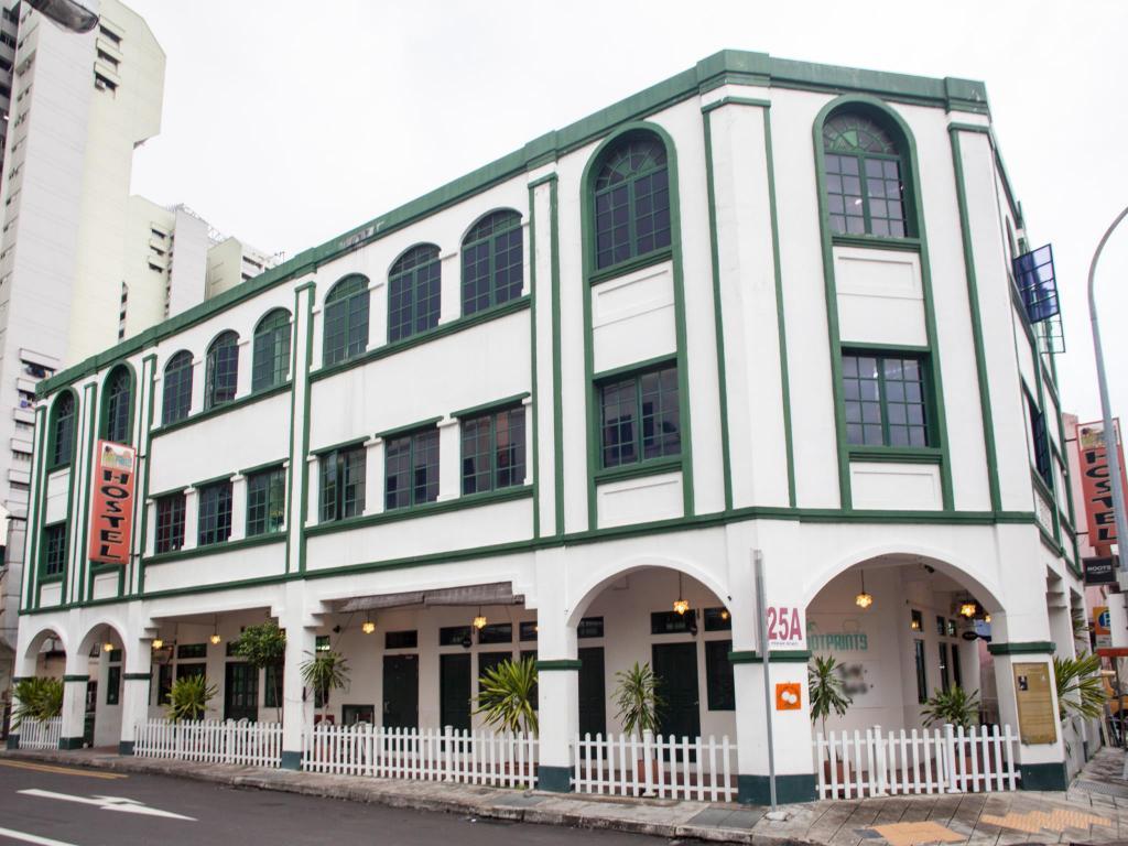 Top Budget Hotel in Singapore-Footprints Hostel