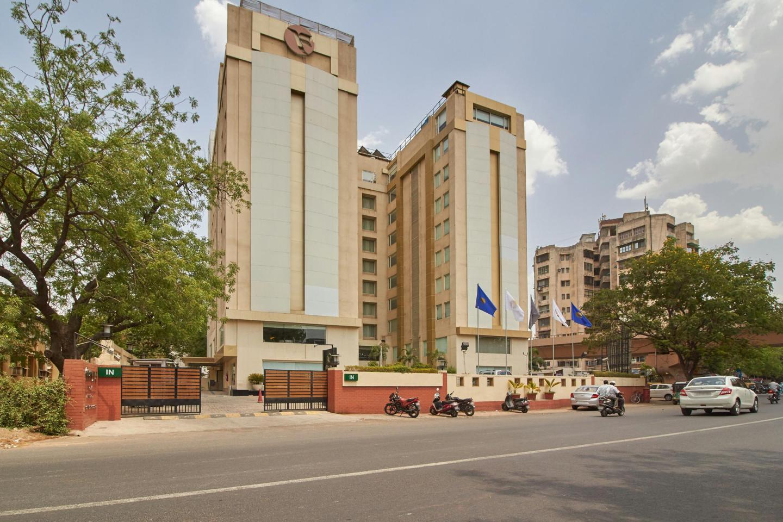 Hotel Near Siddi Sayed Mosque-Fortune Park