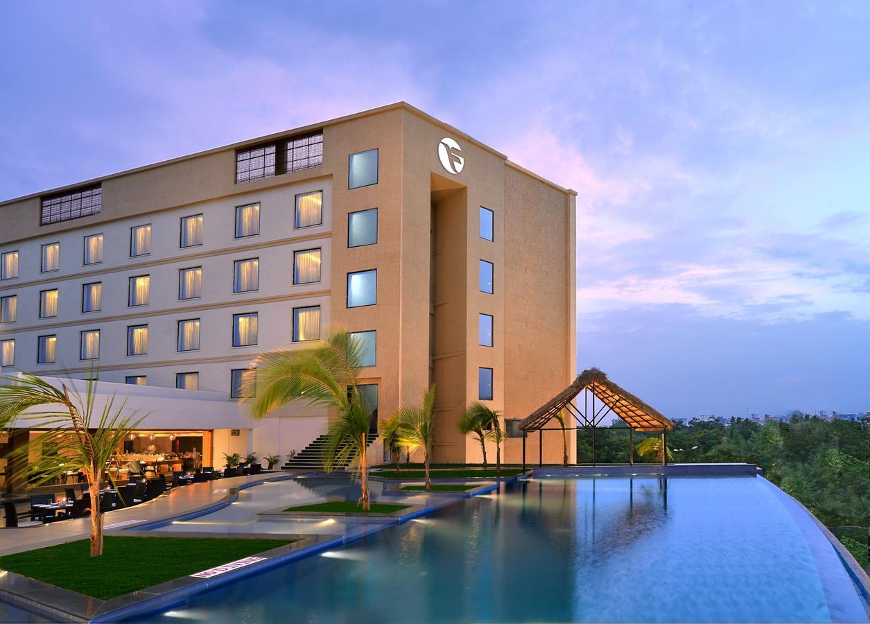 Top Hotel To Stay Near Srikalahasti Temple-Fortune Select Grand Ridge Hotel