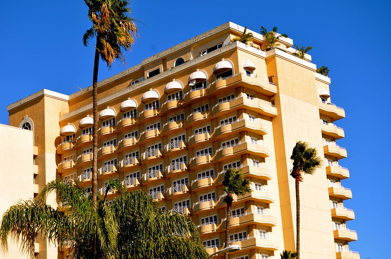 Four Seasons Hotel Los Angeles at Beverly Hills - Best Luxurious Hotel In Los Angeles