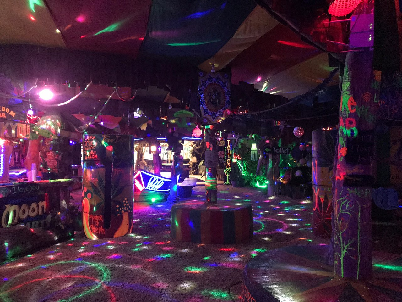 The Perfect Weekend Night Parties In Krabi-Freedom Bar, Sala Dan