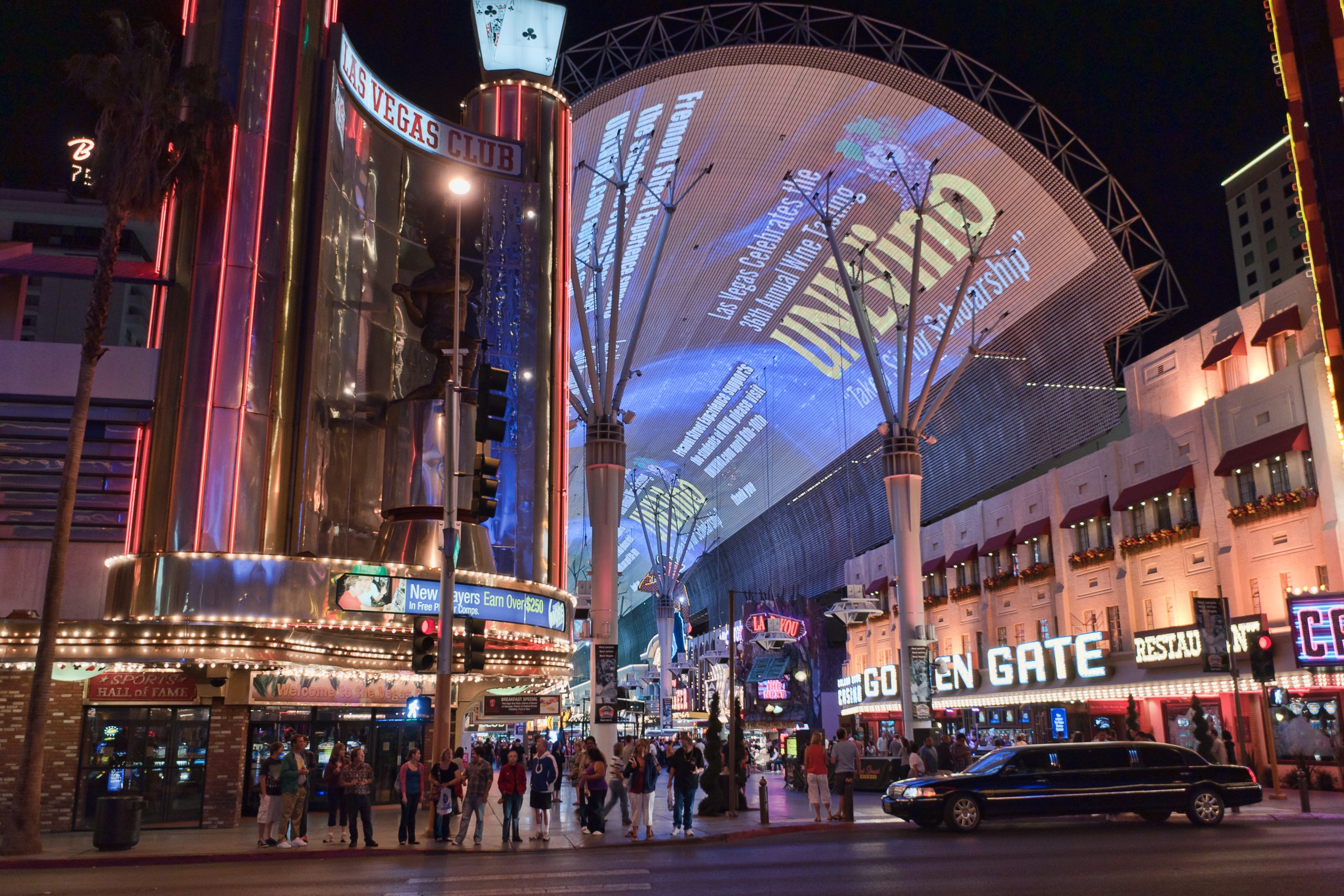 Fremont Street - Things That You Should Not Miss in Las Vegas