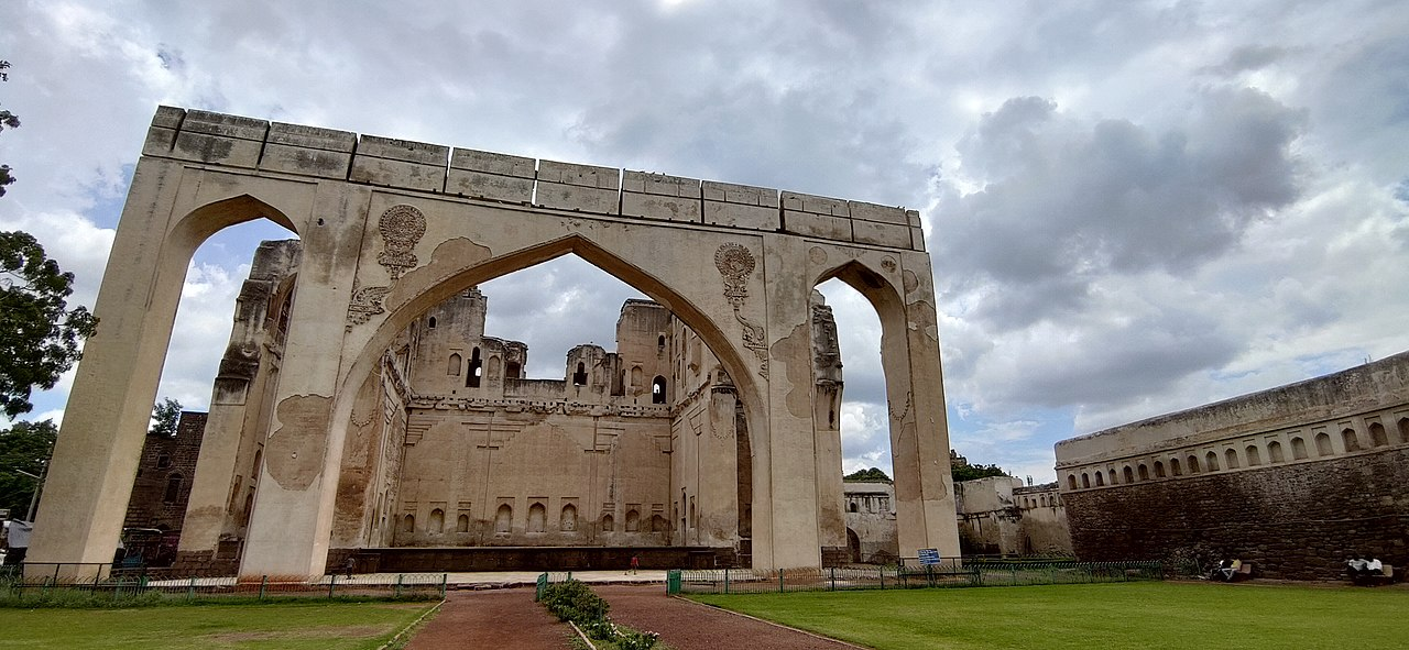 Place To See Near The Gol Gumbaz In Vijayapura (Bijapur), Karnataka-Gagan Mahal