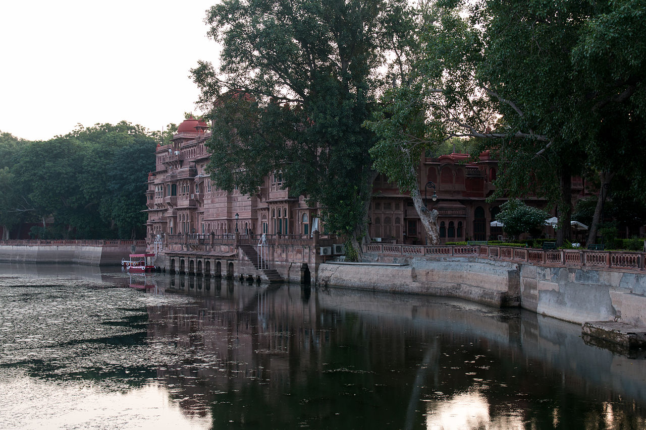 Awesome Sight-Seeing Destination in Bikaner-Gajner Palace and Wildlife Sanctuary