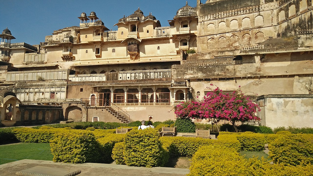Popular Destination to Visit in Bundi-Garh Palace
