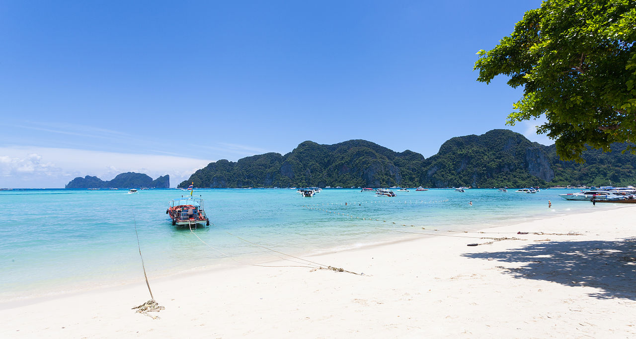 Get Fantasy Experiences At Phi Phi Island - Phuket Famous Places To Visit